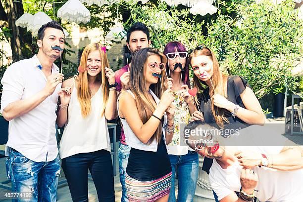 Freunde eine Party zusammen