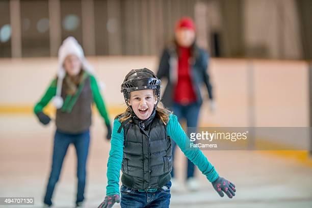 Amis, s'amuser à la patinoire
