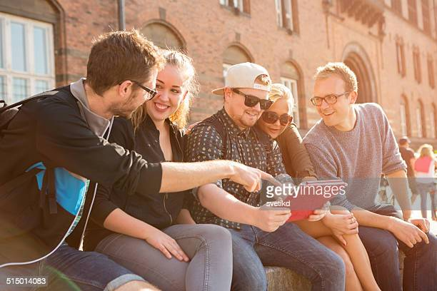 Freunden Spaß im Freien.