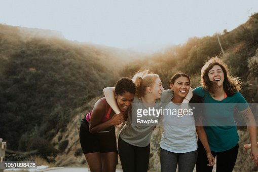 Friends hiking through the hills of Los Angeles : Stock Photo