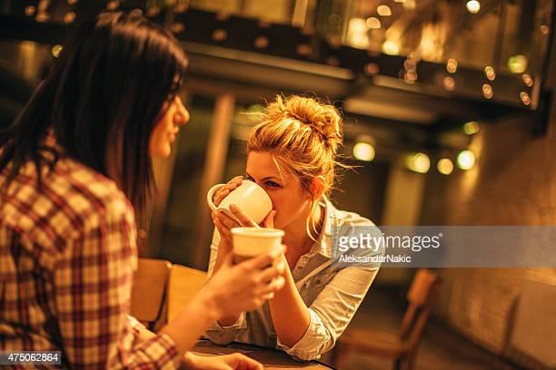 ご友人とご一緒に、カフェ