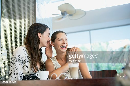 Friends in coffee shop : Foto stock