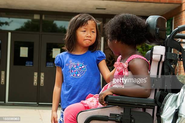 Amigos oferece garantias aluno em Cadeira de Rodas