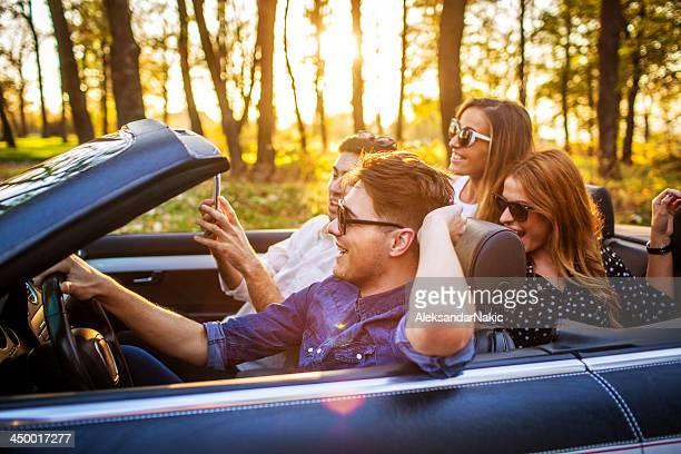 Freunde auf road trip