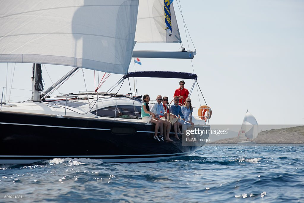Friends sailing yacht : Photo