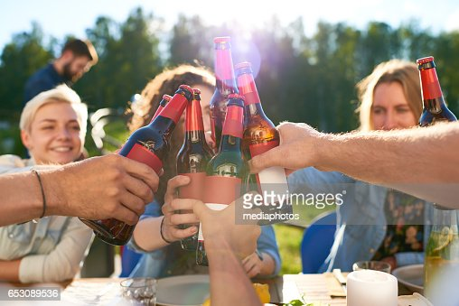 Friends toasting : Foto stock