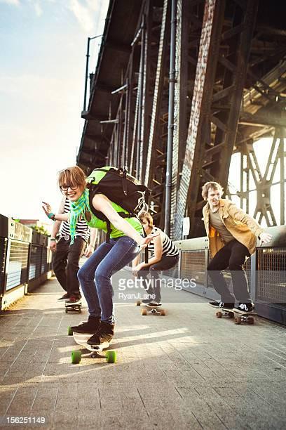 Freunde, Spaß mit Skateboards