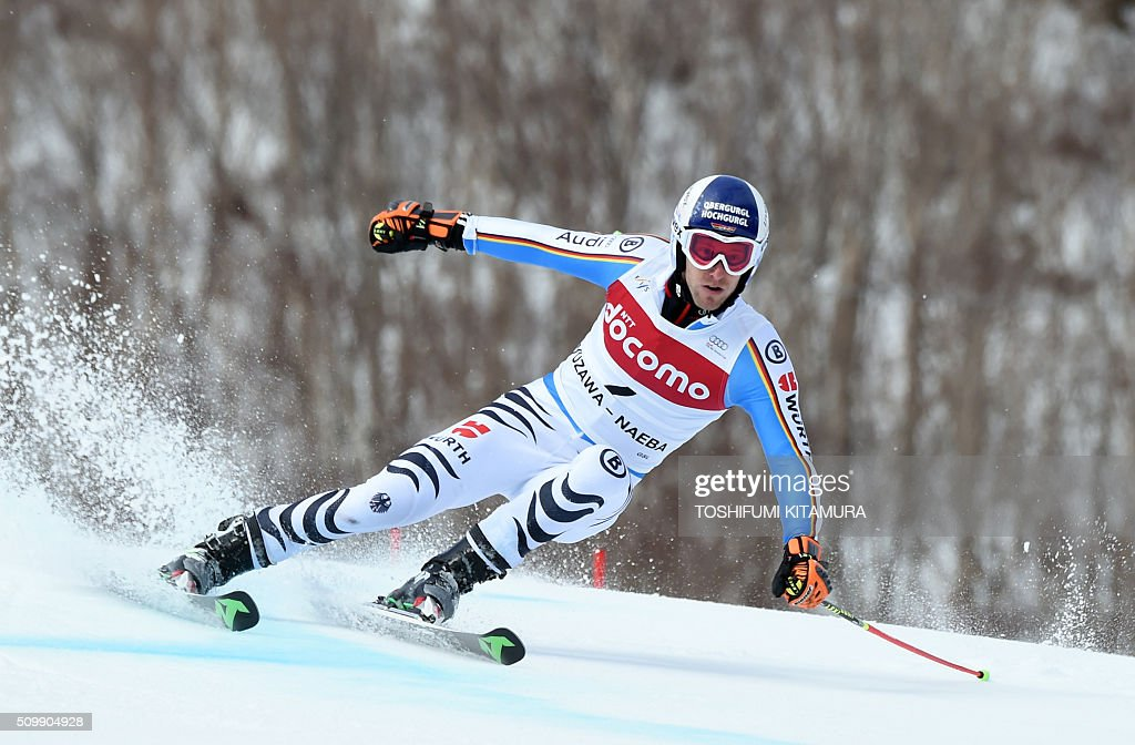 Fritz Deopfer of Germany skies down the course during his first run at the FIS Ski World Cup 2015/2016 6th men's giant slalom in Naeba, Niigata prefecture on February 13, 2016. AFP PHOTO / TOSHIFUMI KITAMURA / AFP / TOSHIFUMI KITAMURA
