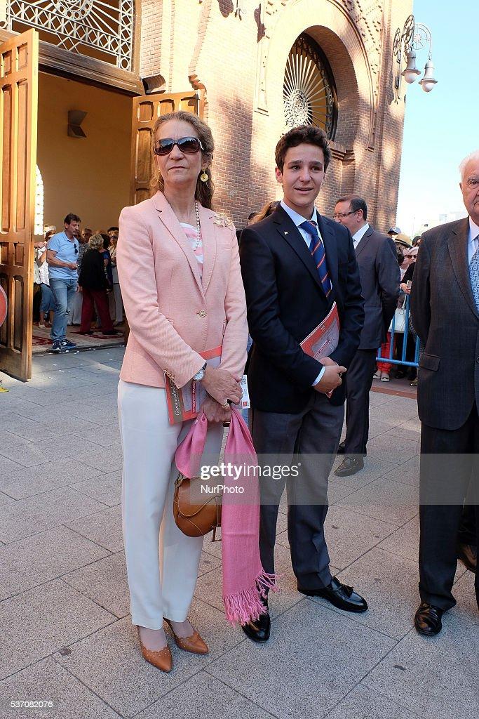 ¿Cuánto mide Felipe Juan Froilán? - Altura Froilan-marichalar-y-borbon-and-elena-de-borbon-attend-a-beneficencia-picture-id537082076