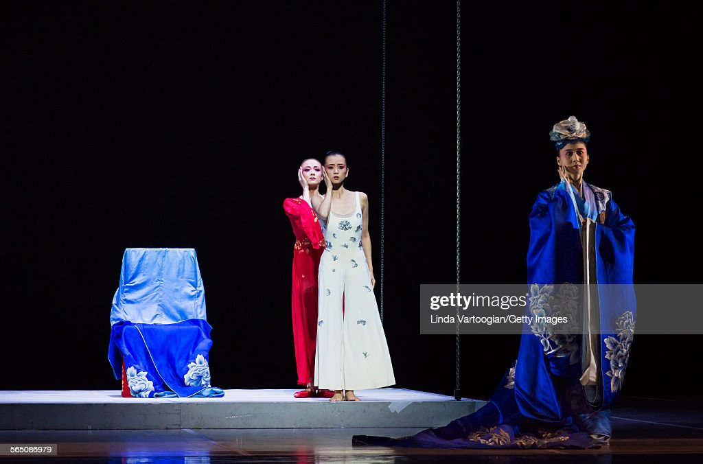From left Chinese dancers Lu Na and Wang Qimin with Kunqu Opera singer Yu Xuejiao perform in the American premiere of the National Ballet of China's...
