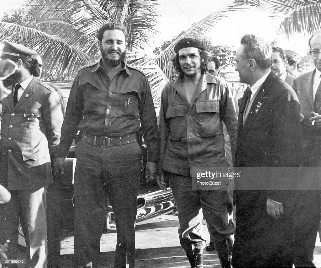From left, Cuban revolutionaries, Premier <a gi-track='captionPersonalityLinkClicked' href=/galleries/search?phrase=Fidel+Castro&family=editorial&specificpeople=67210 ng-click='$event.stopPropagation()'>Fidel Castro</a> and National Bank President Ernesto <a gi-track='captionPersonalityLinkClicked' href=/galleries/search?phrase=Che+Guevara&family=editorial&specificpeople=67207 ng-click='$event.stopPropagation()'>Che Guevara</a> (center), share a laugh with Russian politician and Soviet First Deputy Chairman Anastas Mikoyan (1895 - 1978) (right) who was on a state visit, Havana, Cuba, 1960.