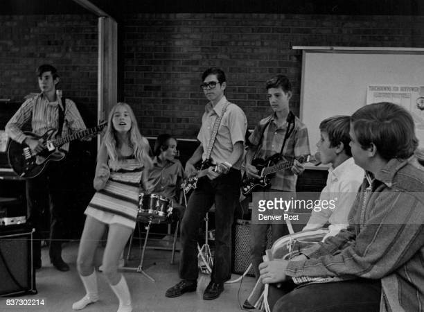 OCT 27 1971 NOV 3 1971 'THE COMPOUND' NORTH ARVADA JUNIOR HIGH GROUP PERFORMS AT ST ANDREW CENTER From left Joe Crowe bass guitar Maggie Kramer Paul...