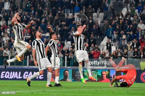 Juventus' forward from Argentina Gonzalo Higuain Juventus' defender from Italy Andrea Barzagli Juventus' forward from Argentina Paulo Dybala...