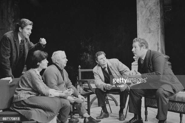 From left to right actors Ian McKellen Yvonne Coulette Leo McKern George Selway and Peter Ustinov at a rehearsal for the play 'The Life in My Hands'...