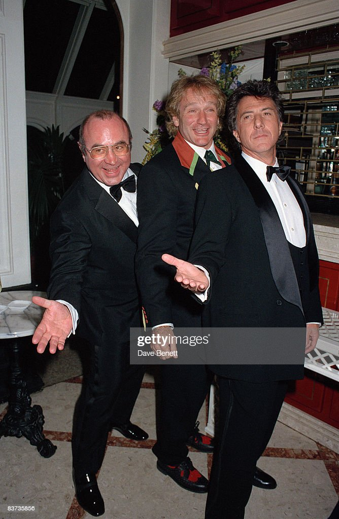 From left to right, Bob Hoskins, Robin Williams and Dustin Hoffman at the premiere of 'Hook', 7th April 1992.
