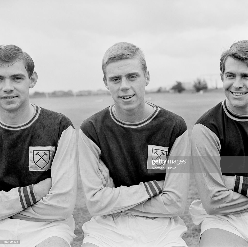From left to right, British footballers Eddie Presland, <a gi-track='captionPersonalityLinkClicked' href=/galleries/search?phrase=Harry+Redknapp&family=editorial&specificpeople=204768 ng-click='$event.stopPropagation()'>Harry Redknapp</a> and Tony Scott of West Ham United F.C., UK, 18th August 1964.