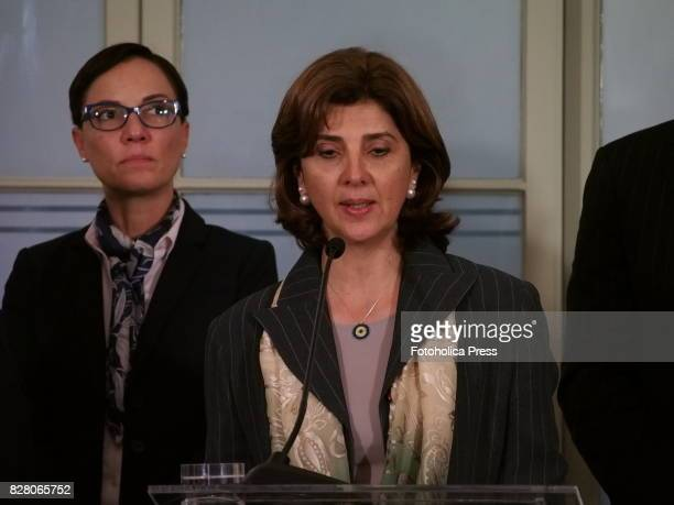 From left to right Chancellors Kamina Johnson Smith from Jamaica and Maria Angelica Holguin from Colombia present to the press the declaration of...
