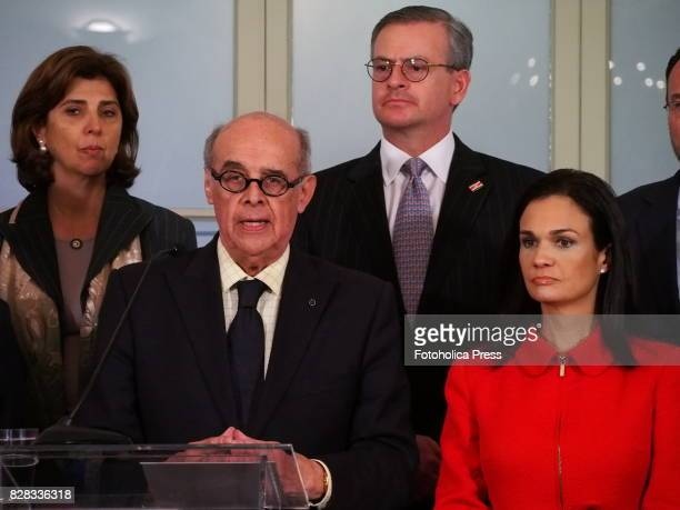 From left to right Chancellors Maria Angelica Holguin from Colombia Ricardo Luna from Peru Manuel Gonzalez Sanz from Costa Rica and Isabel de Saint...
