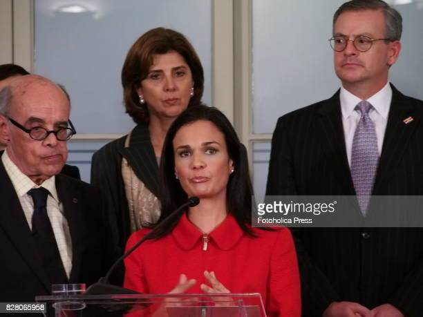 From left to right Chancellors Ricardo Luna from Peru Maria Angelica Holguin from Colombia Isabel de Saint Malo de Alvarado from Panama and Manuel...