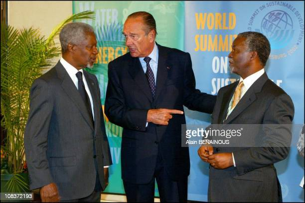From left to right Kofi Annan Jacques Chirac and South Africa president Thabo Mbeki in Johannesburg South Africa on September 02 2002