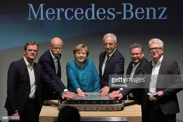 From left to right Markus Schaefer head of production at Daimler AG Dieter Zetsche chief executive officer of Daimler AG Angela Merkel Germany's...