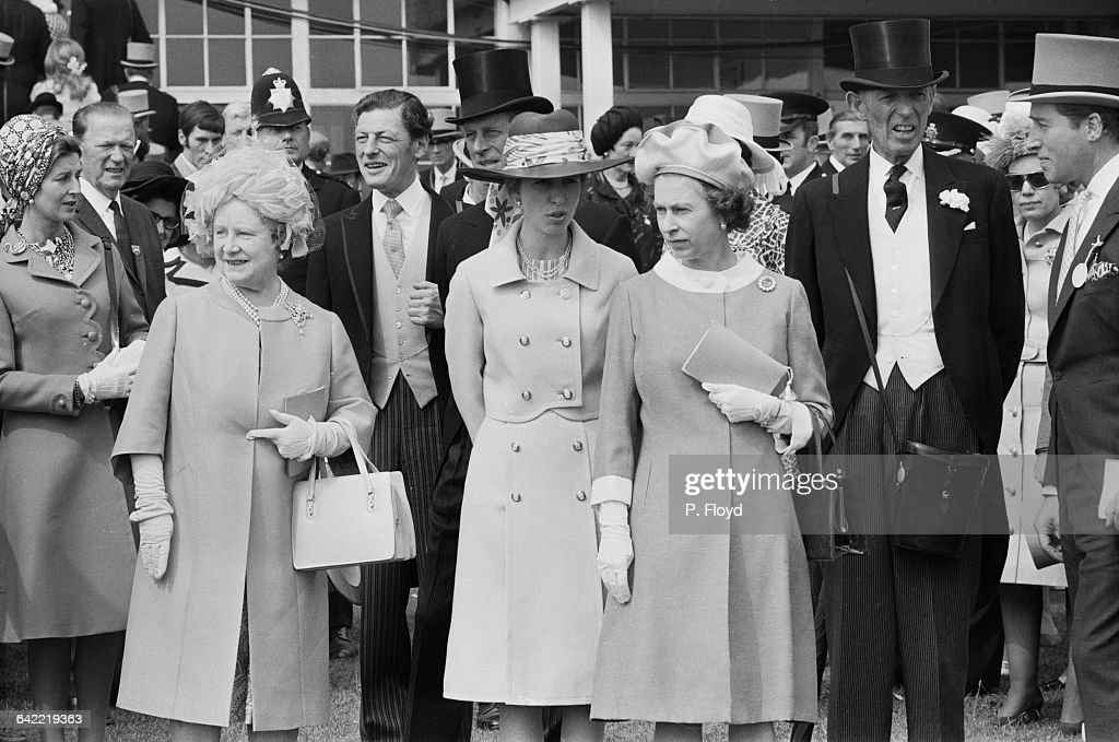 From left to right, Princess Alexandra, the Queen Mother, <a gi-track='captionPersonalityLinkClicked' href=/galleries/search?phrase=Angus+Ogilvy&family=editorial&specificpeople=160704 ng-click='$event.stopPropagation()'>Angus Ogilvy</a>, Prince Philip, <a gi-track='captionPersonalityLinkClicked' href=/galleries/search?phrase=Princess+Anne+-+Princess+Royal&family=editorial&specificpeople=11706204 ng-click='$event.stopPropagation()'>Princess Anne</a>, Queen Elizabeth II, unknown, at the start of the Epsom Derby, UK, 2nd June 1971.