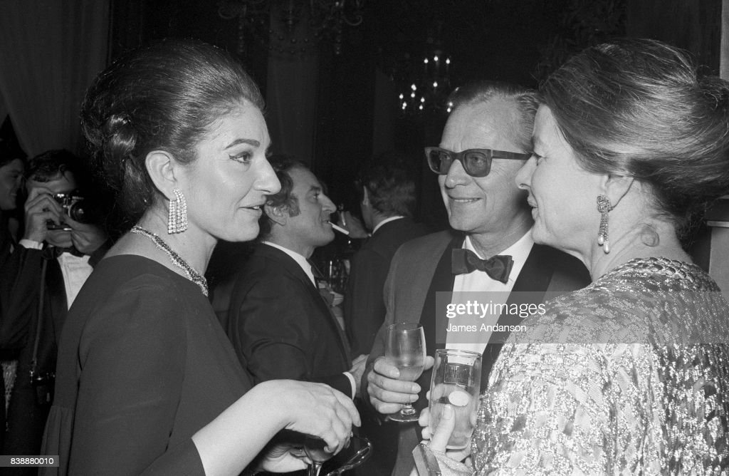 The Greek Opera singer Maria Callas (1923-1977) and the swedish actress Ingrid Bergman (1915-1982) at the Opera in Paris, 15th October 1968