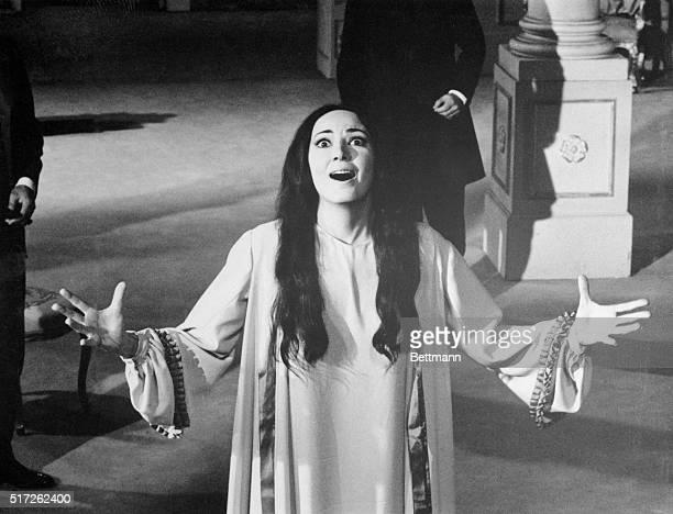 From the La Traviata film version of 1967