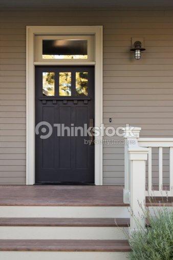 porte dentr e dune maison haut de gamme photo thinkstock. Black Bedroom Furniture Sets. Home Design Ideas