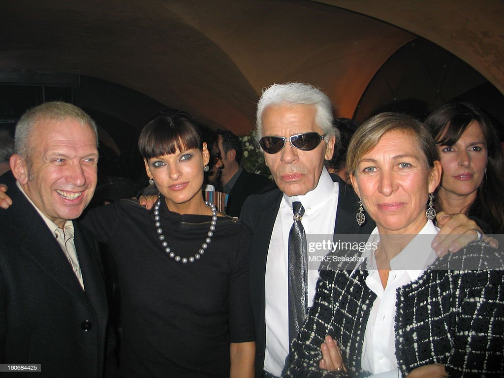 Front Plane Jean-Paul Gaultier poses with <a gi-track='captionPersonalityLinkClicked' href=/galleries/search?phrase=Linda+Evangelista&family=editorial&specificpeople=203121 ng-click='$event.stopPropagation()'>Linda Evangelista</a>, Karl Lagerfeld and Odile Gilbert.