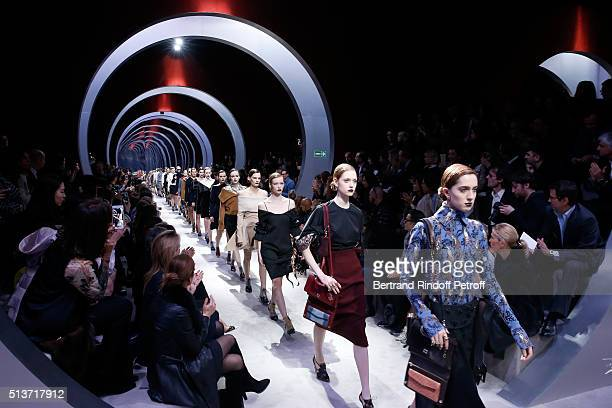 Front Row applause Models at the end of the Christian Dior show as part of the Paris Fashion Week Womenswear Fall/Winter 2016/2017 on March 4 2016 in...