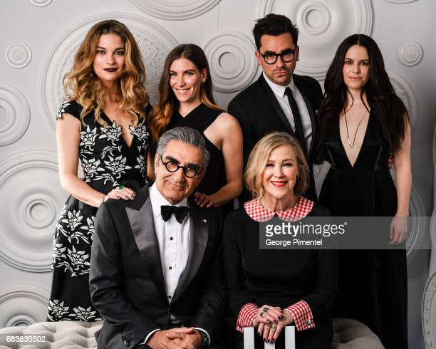 Front Row Eugene Levy and Catherine O'Hara Back Row Annie Murphy Sarah Levy Daniel Levy Emily Hampshire pose in the ETalk Portrait Studio at the 2017...