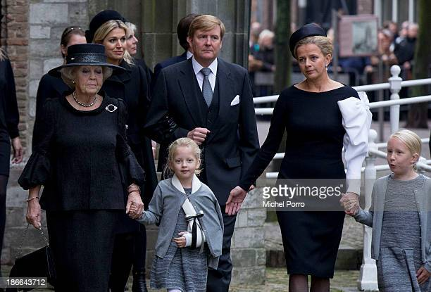 Front row Princess Beatrix of The Netherlands Princess Zaria Princess Mabel Princess Luana Queen Maxima of The Netherlands and King WillemAlexander...