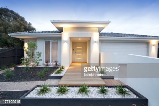 Front view of contemporary home in Australia : Stock Photo