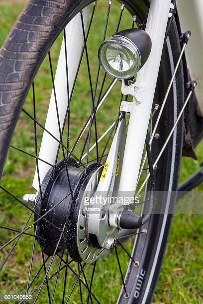 Front wheel hub and light of pedelec / ebike / electric bicycle