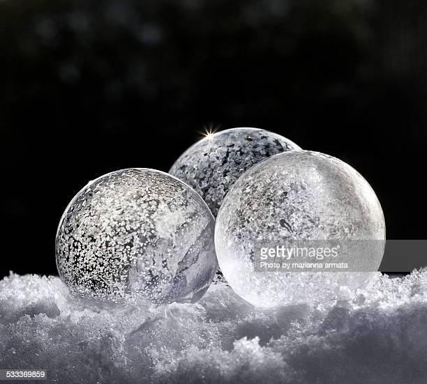 3 frozen bubbles