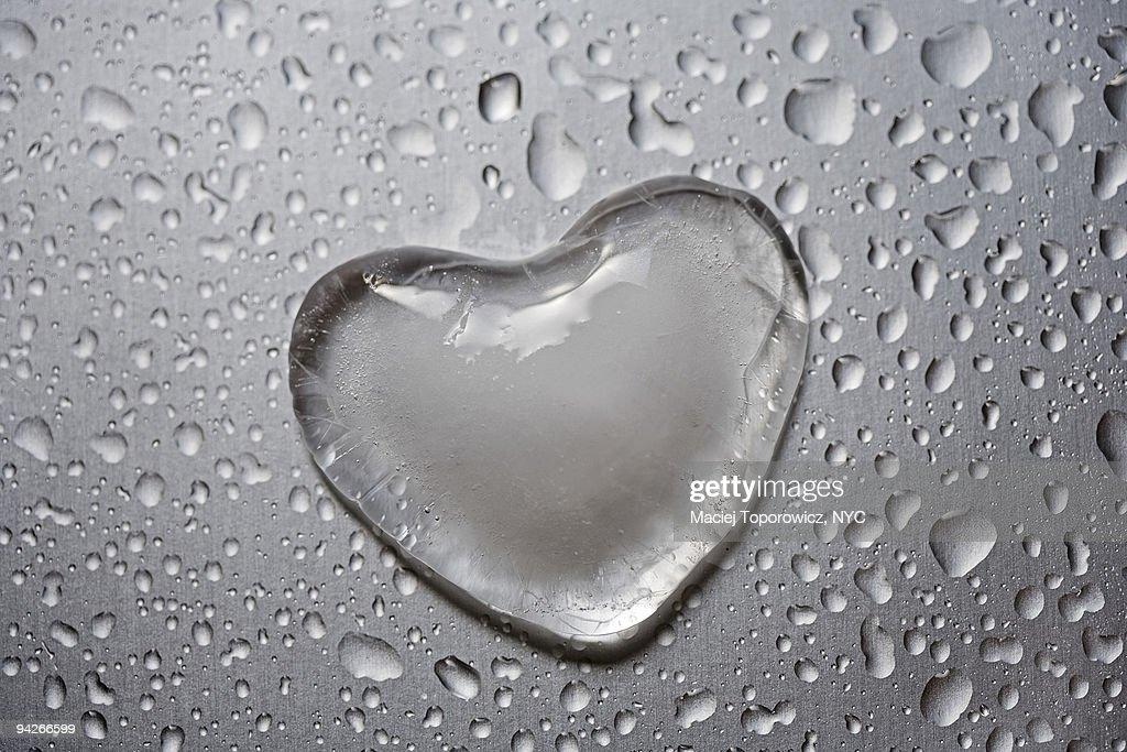 Frozen heart : Stock Photo