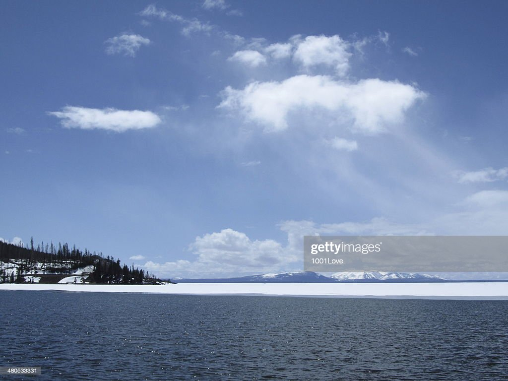 Frozen Lake : Bildbanksbilder