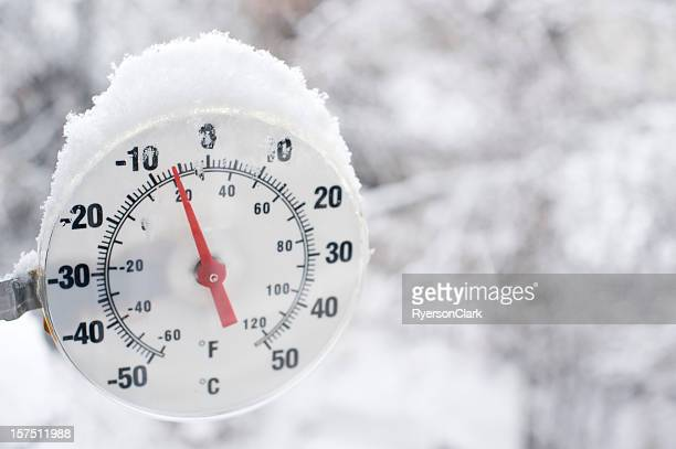 Thermometer nahe Yellowknife an.