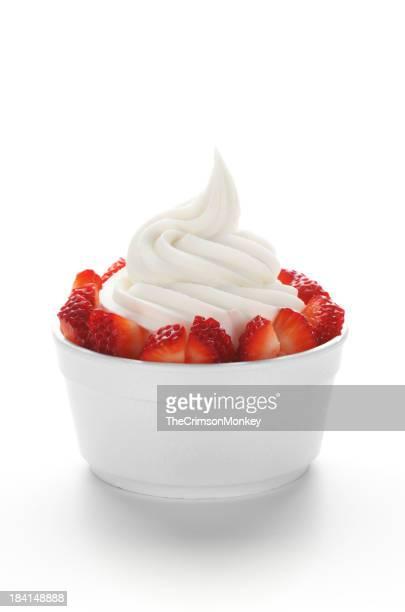Yaourt glacé avec des fraises