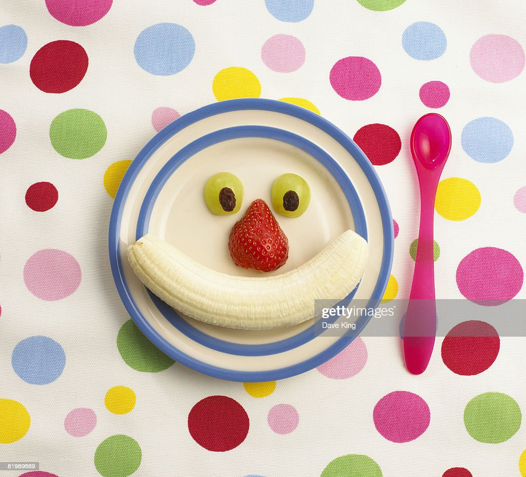 Fruit arranged on plate : Stock Photo