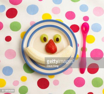 Fruit arranged on plate : Foto de stock