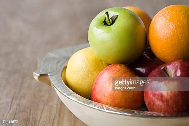 Früchte in eine Schüssel
