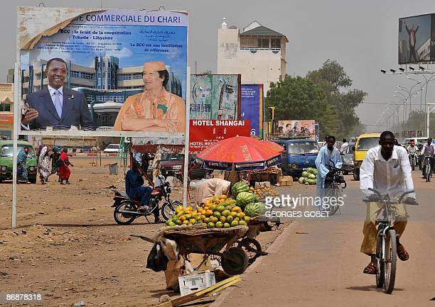 fruit is for sale beside an avenue in Ndjaména on May 10 2009 Chadian ministers said thatthat government forces had routed the rebels who entered...