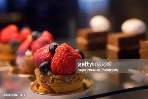 Fruit Tart With Almond Shortbread And Vanilla Custard ...