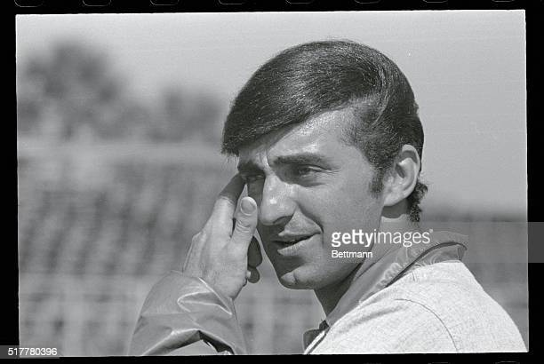 Ft Lauderdale Florida New York centerfielder Joe Pepitone wears no cap or even a helmet in the batting cage as he sports his new hairstyle at the...