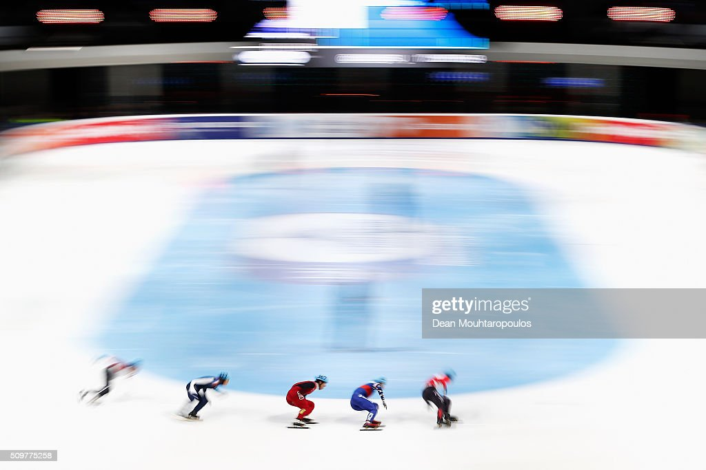 Fu Xu (C) of China competes in the Mens 1000m heats during ISU Short Track Speed Skating World Cup held at The Sportboulevard on February 12, 2016 in Dordrecht, Netherlands.
