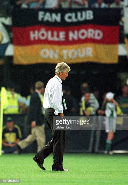 FußballEuropameisterschaft EURO 2000 Niederlande und Belgien Gruppenspiel Portugal Deutschland Erich Ribbeck Trainer der deutschen...