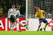 FIFA FußballWeltmeisterschaft Brasilien 2014 Qualifikation Gruppe C Per Mertesacker Torschuß zum 30 Pontus Wernblom Aktion Spielszene Zweikampf Sport...
