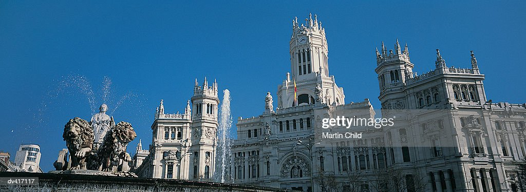 Fuente Cibeles and Palacio De Comunicaciones, Madrid, Spain, Europe : Stock Photo